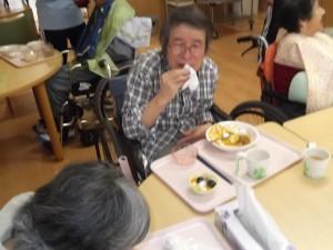 【福祉館恵海:うみかぜ:はまゆうユニットにて】誕生日会を行いました②