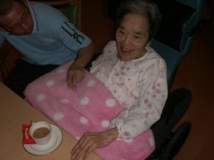 【福祉館恵海:うみかぜ:渚ユニットにて】喫茶の様子