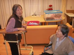 【福祉館恵海:うみかぜ:珊瑚】違うユニットの友達と立ち話