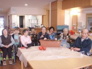 【福祉館恵海:うみかぜ:はまゆうユニット】新しい苗を植えました!!