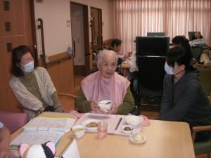 【福祉館恵海:うみかぜ:渚】夕食の一コマ