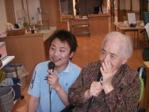 ■カラオケ、みんなで合唱(^O^)■