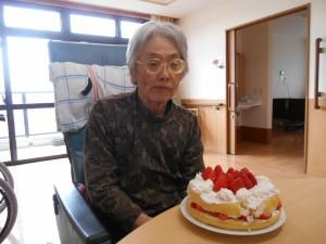 ■お誕生日を迎えられ、手作りケーキを頂きました(^O^)/
